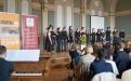 Der Popchor des Helmholtz Gymnasiums unter der Leitung von Ellen Rossie begeistert die Gäste u.a. mit Titeln von Sting und Queen